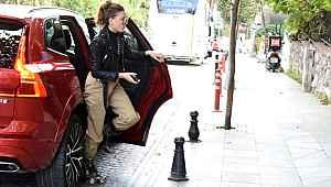 Serenay Sarıkaya, 6 bin TL'lik botlarıyla dikkat çekti