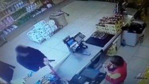 Silah zoruyla market soyan şahıslar yakalandı