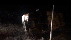 Sivas'ta minibüs devrildi