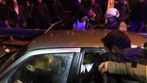 Ters yöne giren araç ortalığı birbirine kattı! Kaza 7 kişinin yaralanmasına neden oldu