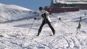 Uludağ'da kayak sezonu açıldı, tatilciler pistlere akın etti - Bursa Haberleri