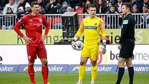 VAR, Mario Gomez'in 3 golünü iptal etti