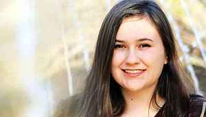 16 yaşındaki öğrencisine çıplak fotoğraflar gönderdi, defalarca cinsel ilişkiye girdi