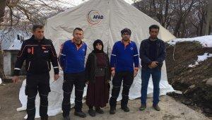 AFAD hasarlı köy evlerine zorlu koşullarda ulaşmaya devam ediyor