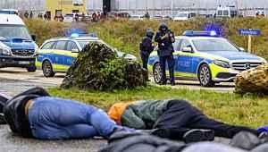 Almanya'da silahlı saldırı: 6 ölü