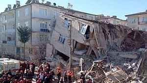 """Bakan Selçuk: """"Depremden etkilenen vatandaşlarımızın temel ihtiyaçları için 8 milyon TL kaynak aktardık"""""""