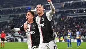 Cristiano Ronaldo, Dybala'yı dudağından öptü