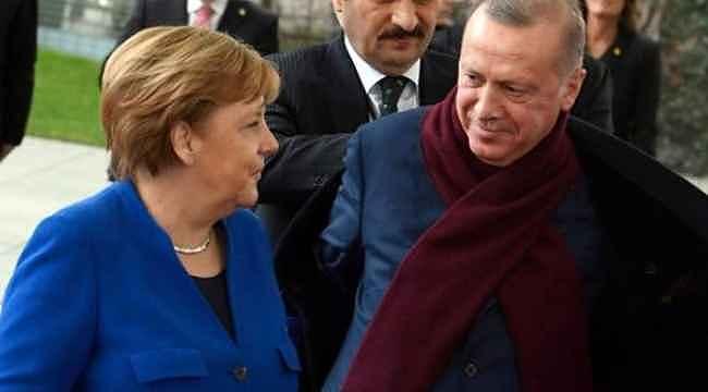 Cumhurbaşkanı Erdoğan ve Başbakan Merkel buluşmasına damga vuran Palto diyaloğu