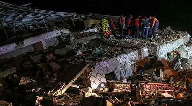 Deprem bölgesinden acı haberi Sağlık Bakanı Fahrettin Koca verdi!