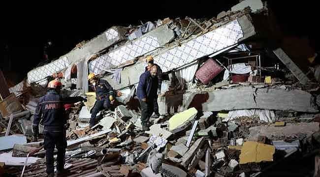 Elazığ depremi sonrası ünlü isimlerden paylaşımlar!