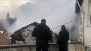Evi satılığa çıkaran annesine kızdı, evi yaktı - Bursa Haberleri