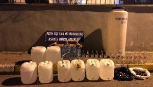 Fatih'te sahte alkol imalathanesine baskın: 2 gözaltı