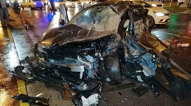 Feci trafik kazası! Kırmızı ışıkta durmadı ortalık savaş alanına döndü