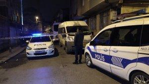 Gürültü yapan gruba müdahale eden polis babasına darp