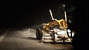 Karda mahsur kalan sürücü 8 saat sonra kurtarıldı - Bursa Haberleri