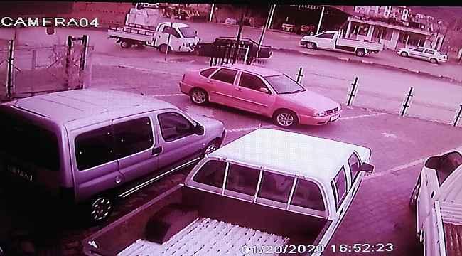 Karşılıksız aşk kazası güvenlik kamerasında - Bursa Haberleri