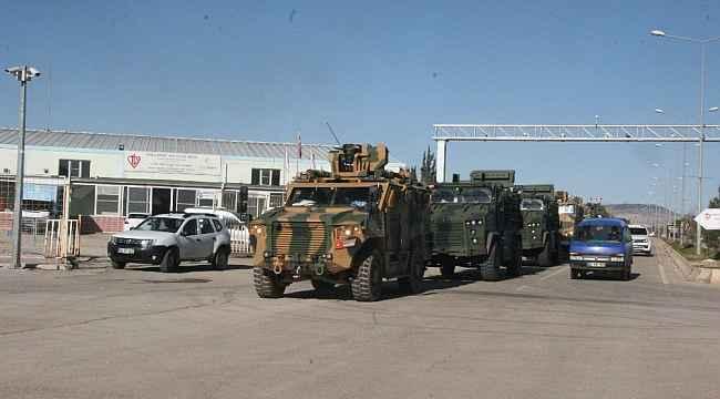 Komandoların sınır hattına sevkıyatları sürüyor