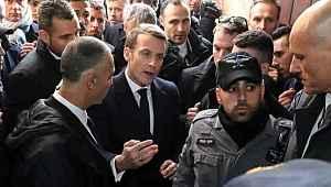 Macron, Kudüs'teki Osmanlı hediyesi önünde İsrail polisi ile tartıştı