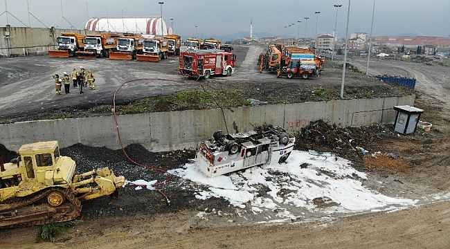 Mazot tankeri beş metrelik duvardan aşağıya devrildi, faciadan dönüldü
