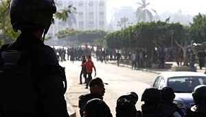 Mısır polisi Anadolu Ajansı'nın ofisini bastı... Gözaltıları var... Türkiye'den peş peşe açıklamalar