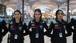 Pasaport polisleri yeni kıyafetlerini giydi, Tepki çeken detay da düzeltildi