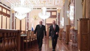 Rusya'nın yeni Başbakanı, Putin'e yeni kabineyi tanıttı