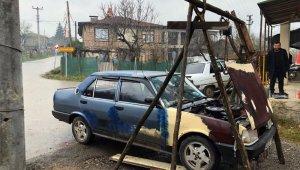 Sanayideki ustaların verdiği fiyata kızdı aracını kendi tamir etmeye başladı