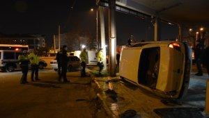 Takla atan otomobilden burnu kanamadan çıktı - Bursa Haberleri