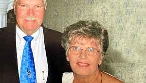 Yüreklere dokunan aşk... 65 yıllık evli çift birkaç saat arayla öldü
