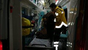 16 göçmeni taşıyan bot batmaktan son anda kurtuldu