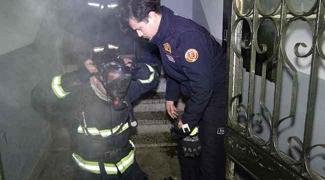 5 katlı binada korkutan yangın - Bursa Haberleri