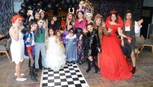 Anneler ve çocukları kostüm partisinde buluştu - Bursa Haberleri