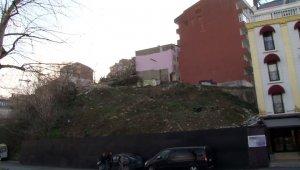 Arda Turan mağduru vatandaşlar hasar gören evlerde yaşıyor
