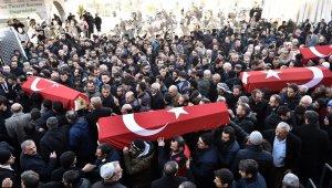 Bakan Koca çığ faciasında hayatını kaybedenlerin cenaze törenine katıldı
