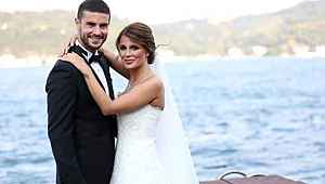 Berk Oktay, fotoğraflarını ifşaladığını iddia ettiği eşinden boşandı