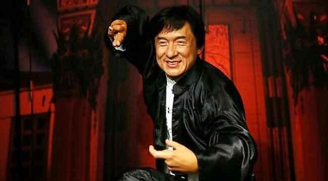Bomba iddia... Ünlü oyuncu Jackie Chan koronavirüsten karantinaya alındı