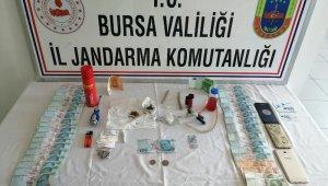 Bursa'da 4 uyuşturucu şüphelisi jandarmadan kaçamadı - Bursa Haberleri