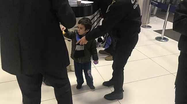 Bursa'da çocuğunu AVM'ye bırakıp kaçan anneye hapis - Bursa Haberleri