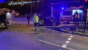 Bursa'da iki araç çarpıştı: 3 yaralı - Bursa Haberleri
