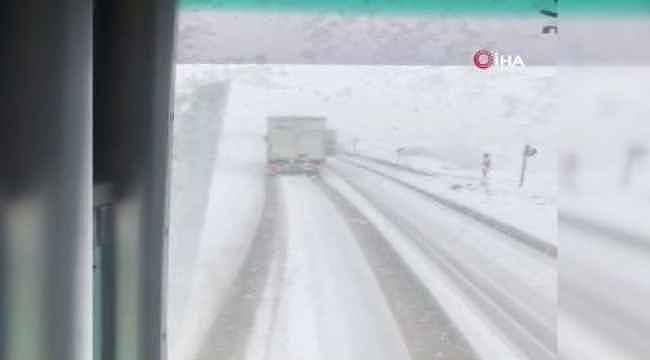 Bursaspor taraftarını taşıyan otobüsün kaza anını böyle kaydettiler - Bursa Haberleri