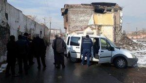 Camiye gitmeyince arkadaşları şüphelendi, evinde ölü bulundu