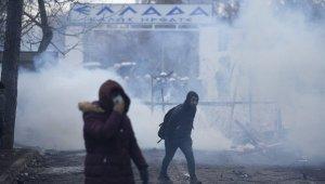 """Çavuşoğlu: """"Bize uluslararası hukuk dersi verenler, binlerce masum insanın üzerine gaz bombaları atıyorlar"""""""