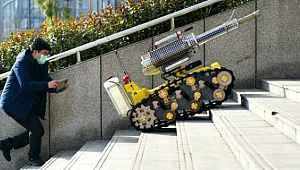 Çin'den katil koronavirüsü yok edecek robot...