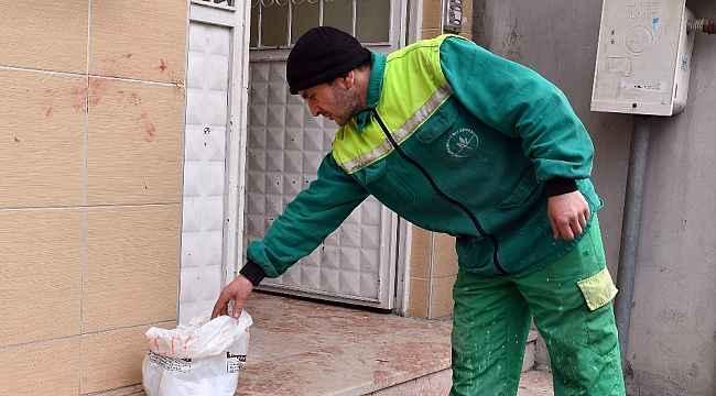 Çöpte bulduğu 125 bin TL'yi sahibine teslim etti - Bursa Haberleri