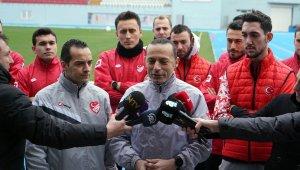 """Cüneyt Çakır: """"En büyük hedefimiz Avrupa Şampiyonası'nda milli takımımızla birlikte bulunmak"""""""