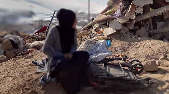 Depremde eşini ve çocuklarını kaybeden kadının feryadı yürekleri dağladı