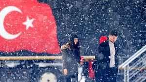 Eğitime kar molası... Çok sayıda şehirde okullar tatil edildi