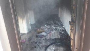 Erciş'te ev yangını: 4 kişi dumandan etkilendi