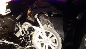İki araç kafa kafaya çarpıştı 5 yaralı - Bursa Haberleri