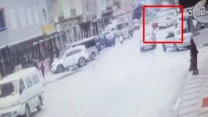 İki otomobil kafa kafaya çarpıştı: 4 yaralı - Bursa Haberleri